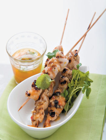 Chicken skewers with sweet chilli dipping sauce recipe