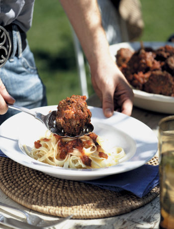 Italian meatballs with tomato sauce recipe