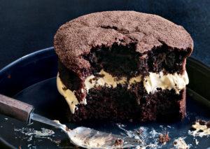 Mini chocolate sponges with coffee meringue icing