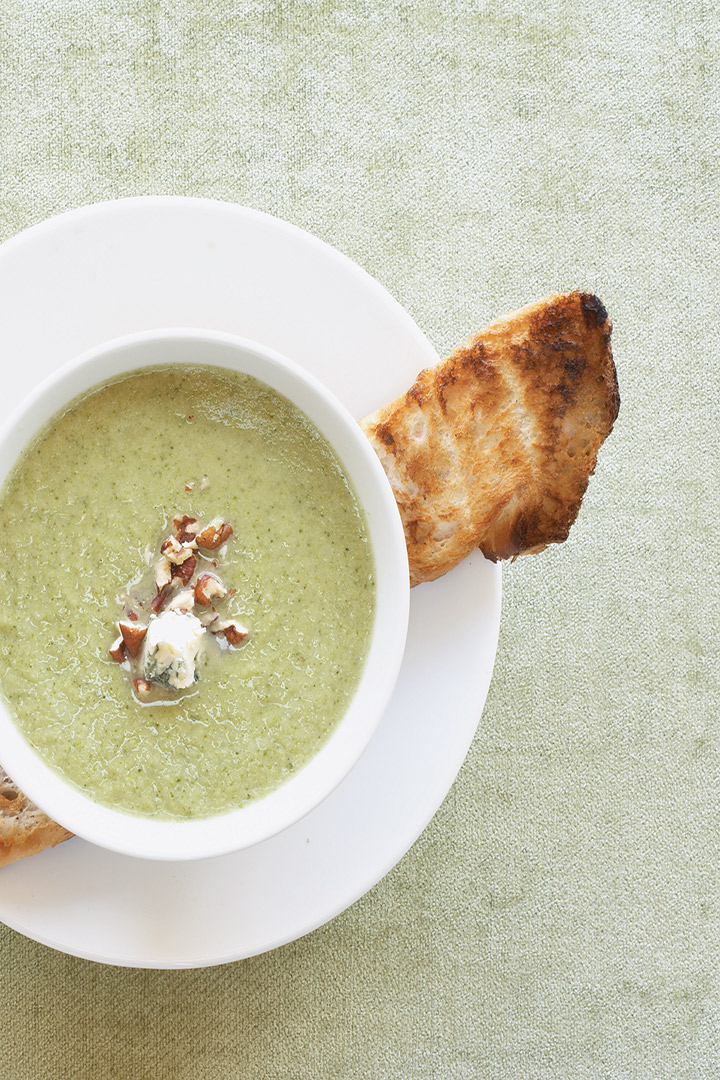 Creamy broccoli and gorgonzola soup with toasted walnuts recipe