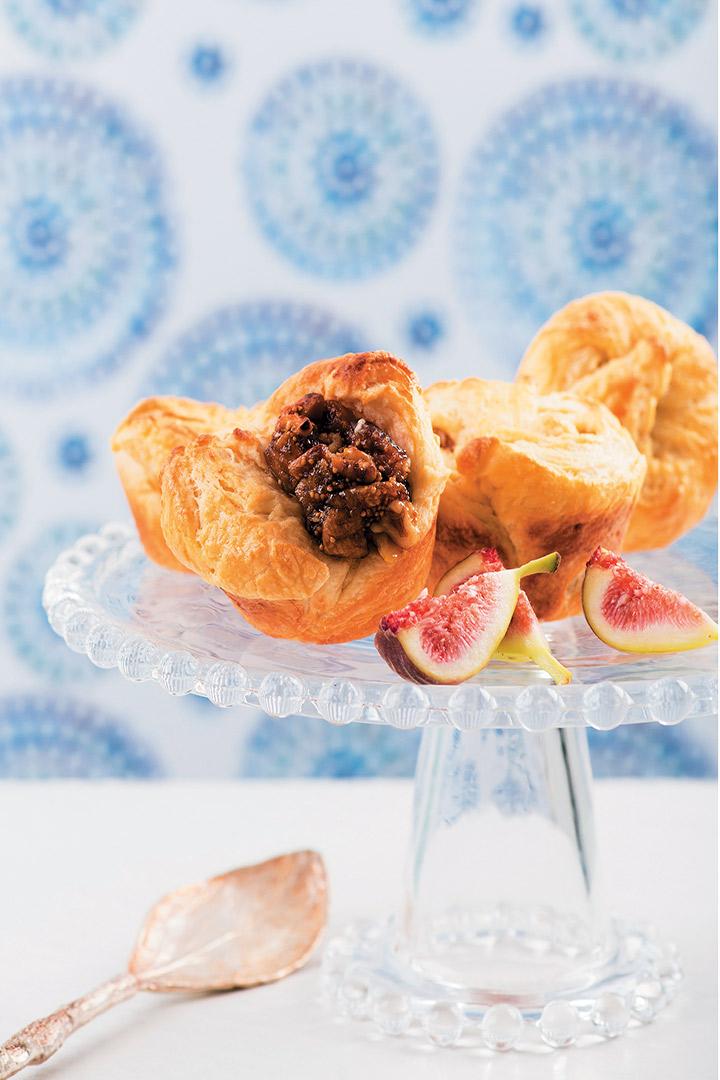 Cream cheese, honeyed fig and walnut hiddencentre moissants recipe