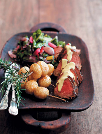 Pan-fried fillet of beef with a creamy horseradish sauce recipe