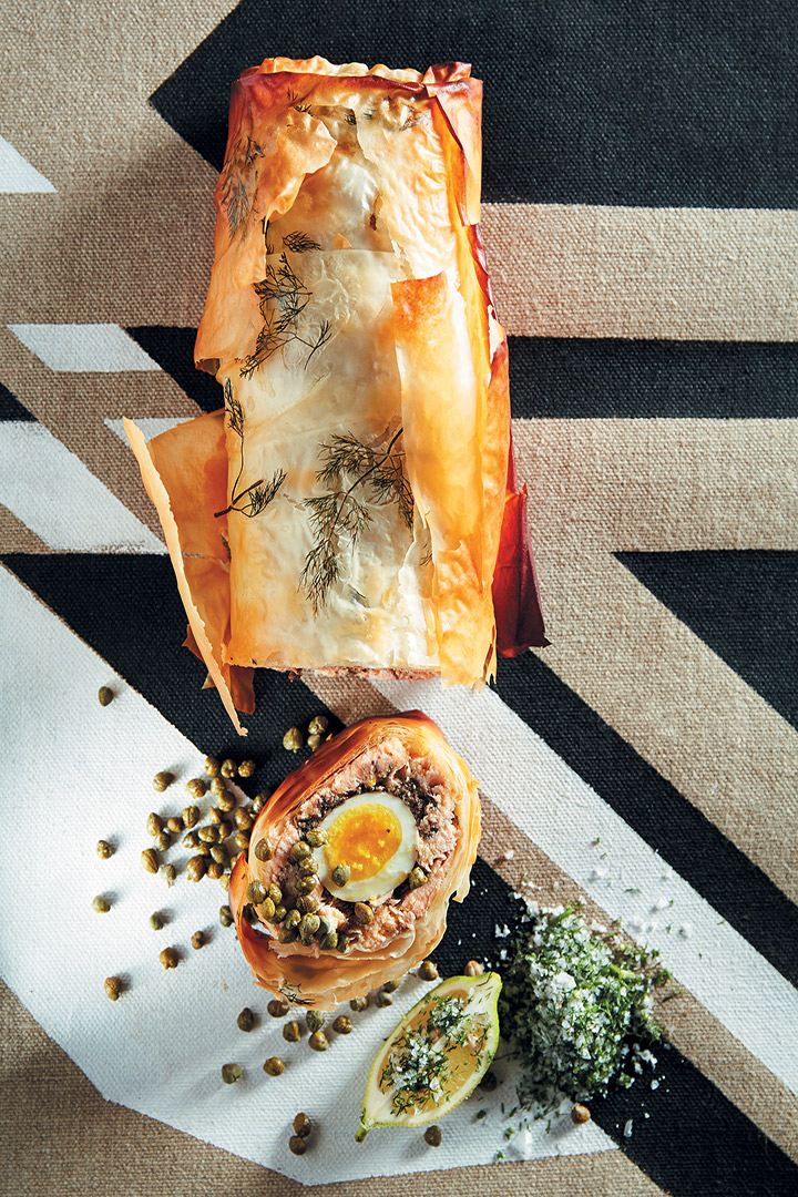 Rolled salmon and mushroom pie recipe