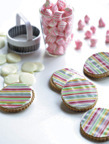 Colourful butter biscuits recipe