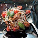 Baby marrow 'spaghetti' with fresh basil, sun-dried tomato pesto and sunflower seeds