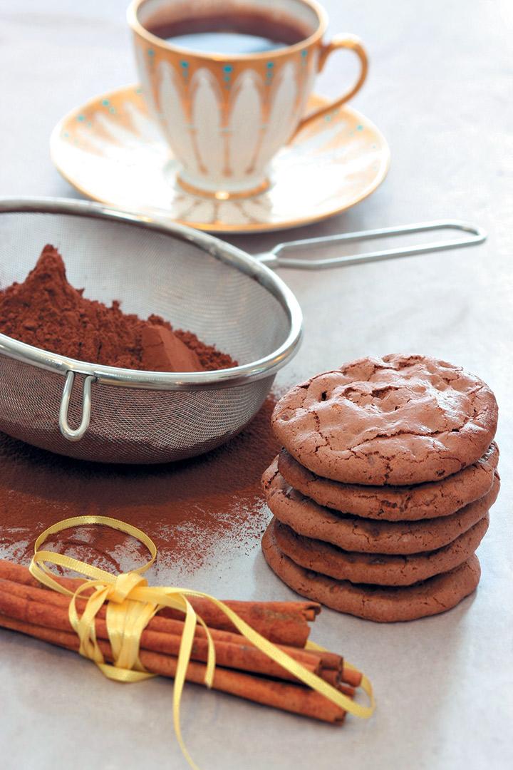 Flour-free hazelnut, chocolate and cinnamon biscuits recipe