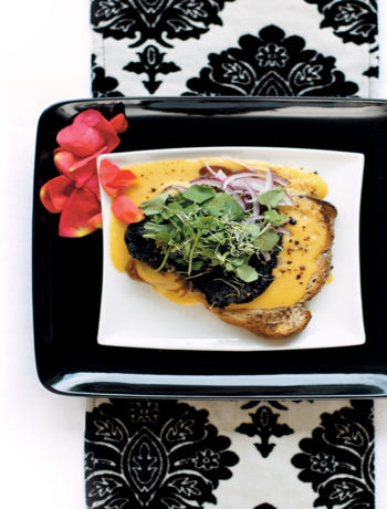 Welsh rarebit with onion marmalade and mushrooms recipe