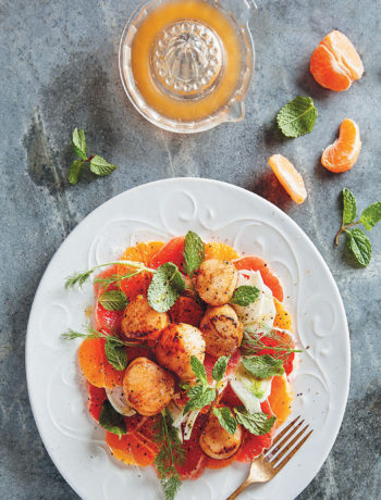 ClemenGold-glazed scallops with fennel and grapefruit salad recipe