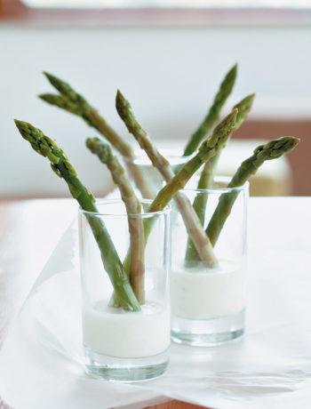 Asparagus with lemon and tarragon sauce recipe