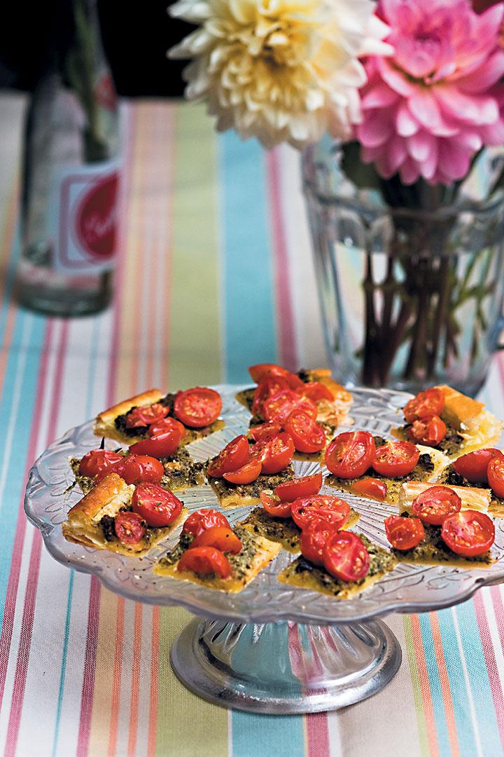 Cherry tomato tart slices recipe