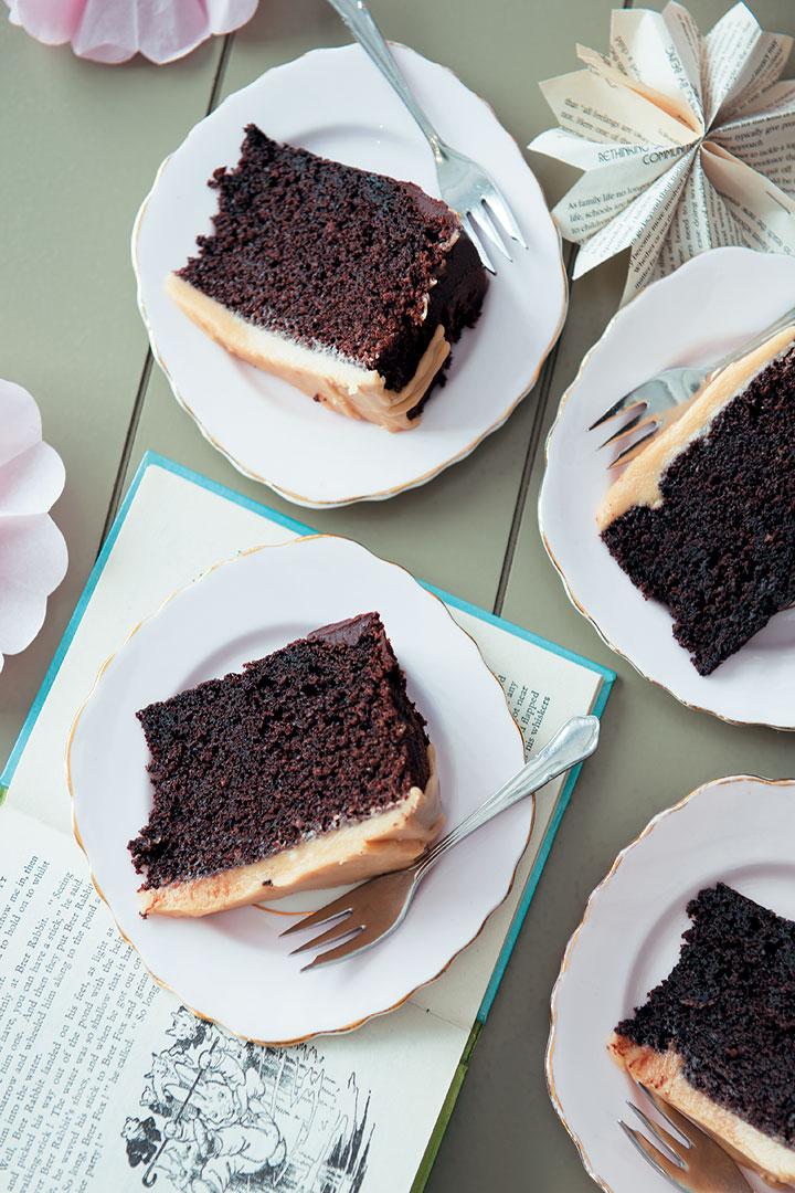 Chocolate fudge cake with caramel icing ('Welcome Baby' cake) recipe