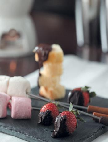Dark chocolate and fruit fondue recipe