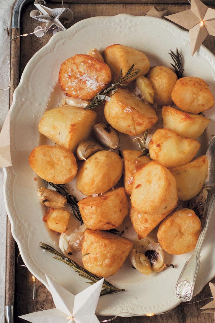Garlic and rosemary roast potatoes recipe