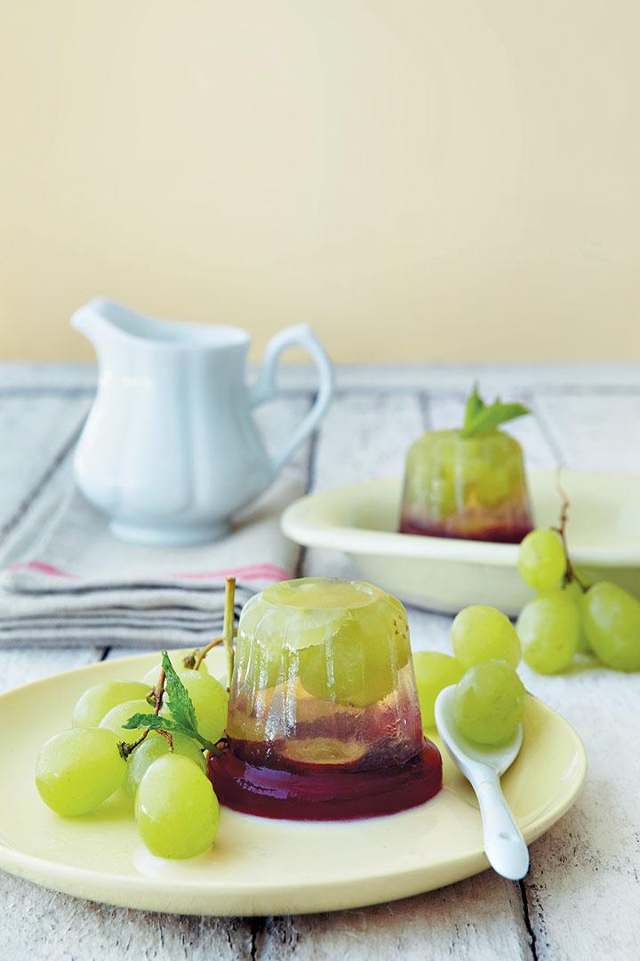 Layered grape jelly with vanilla custard recipe