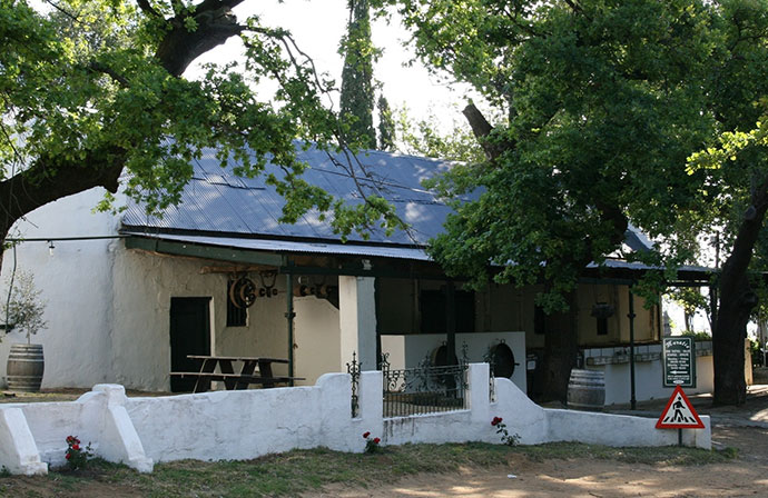 Muratie-tasting-room-south-african-heritage
