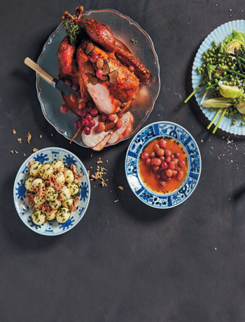 Roast turkey with truffles and grape sauce recipe
