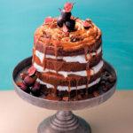 Simnebun cake with Italian meringue & caramel-chocolate sauce