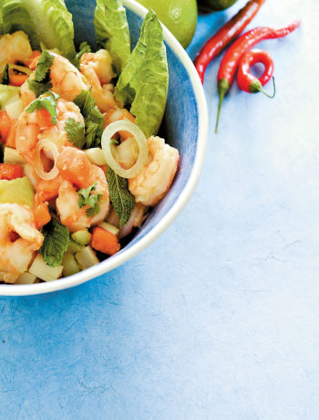 Thai prawn, pawpaw and palm heart salad with a citrus dressing recipe