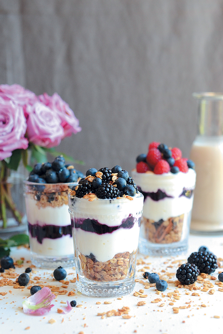 Chai latte pecan granola parfaits recipe