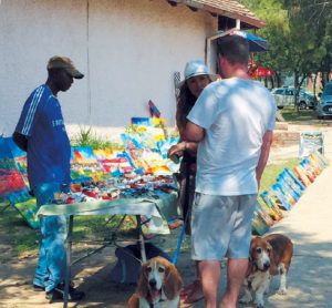 Riversands-Farm-Village-Market-dogs