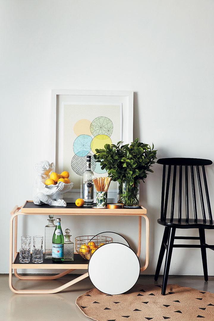 3 Ways To Style Your Drink Trolley