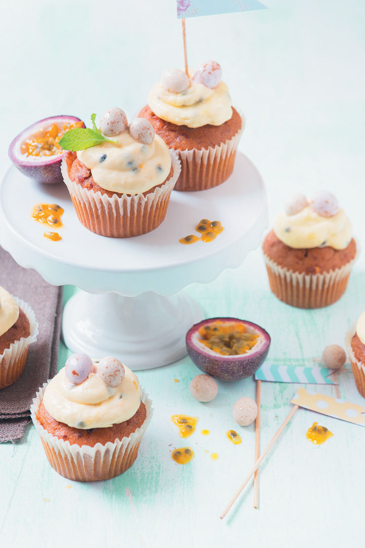 Carrot cupcakes with granadilla, white chocolate and cream cheese icing recipe