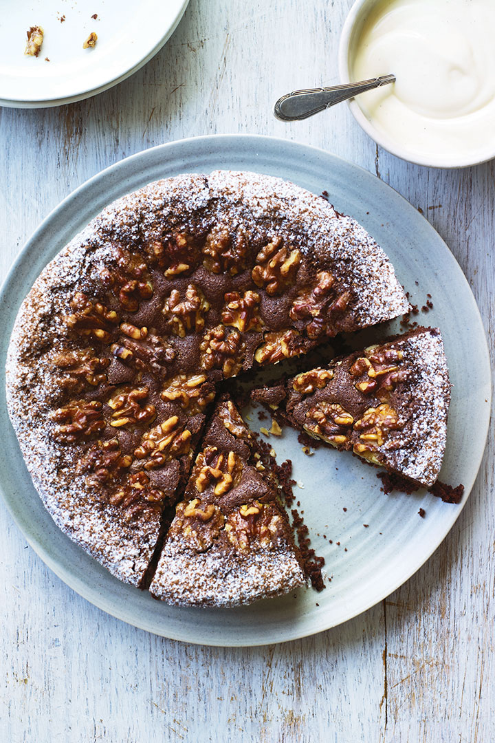 Swiss walnut and chocolate cake recipe