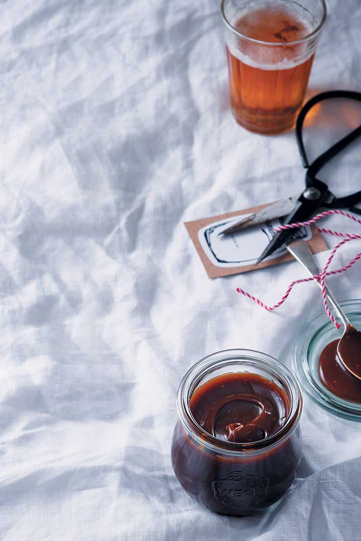 Beer, orange and spice caramel sauce
