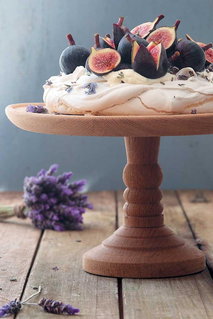 Lavender Pavlova