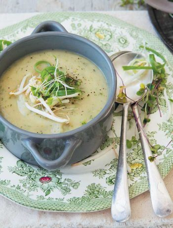 Thai green curried parsnip and coconut soup