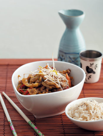 Sweet and sour stir-fried chicken