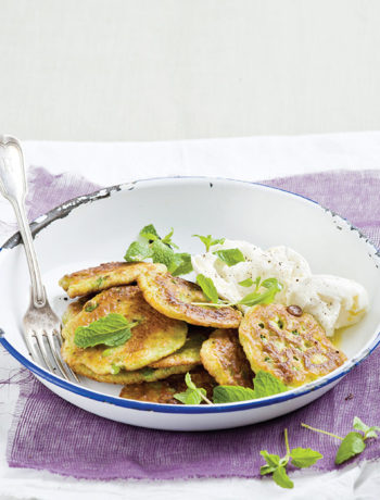 Pea fritters with mozzarella