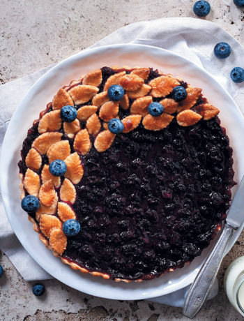 Spiced blueberry and chocolate honeycomb tart