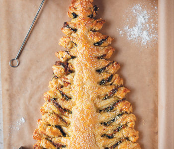 Spinach and ricotta Christmas tree