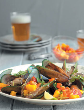 Beer-steamed mussels with mango salsa