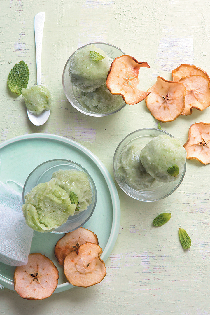 Green tea and apple sorbet with apple crisps