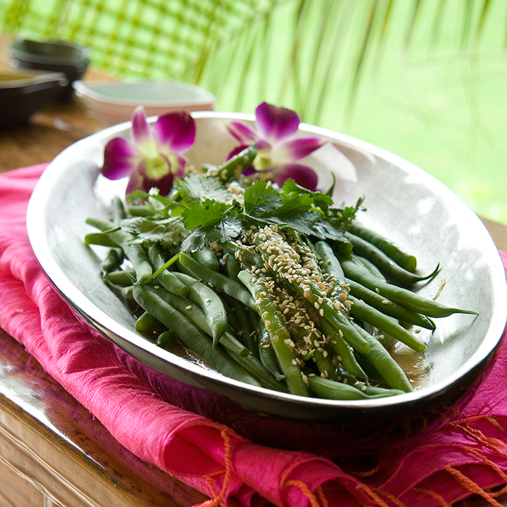 Warm green bean salad with toasted sesame seeds