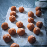 Caramelised white chocolate truffles with sea salt
