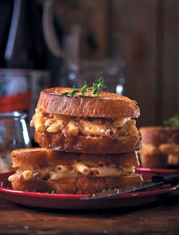 Mac 'n cheese ciabatta toasties with crispy bacon