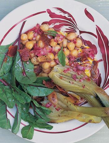 Warm salad of chickpeas, fennel and crispy salami