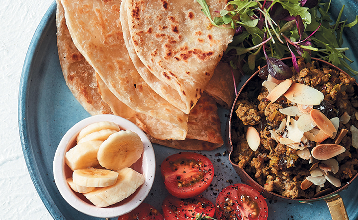 Curried mince with crispy rotis
