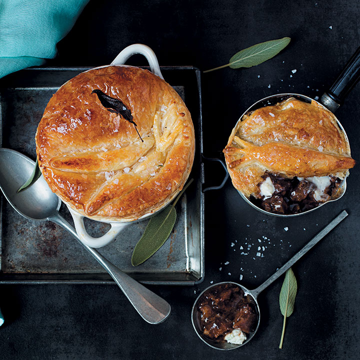 Steak and blue cheese individual pot pies