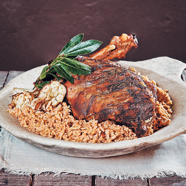 Oven roasted leg of lamb yiouvetsi
