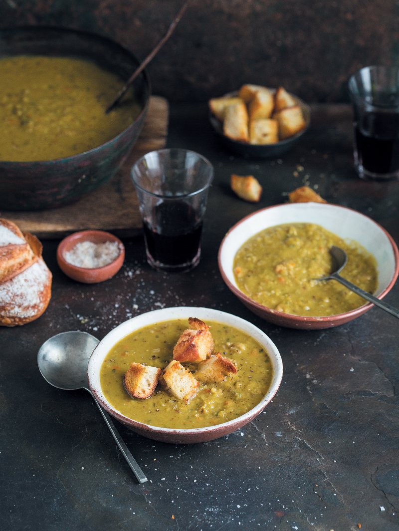 Split pea and ham hock soup