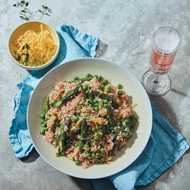 Vegan asparagus and pea risotto