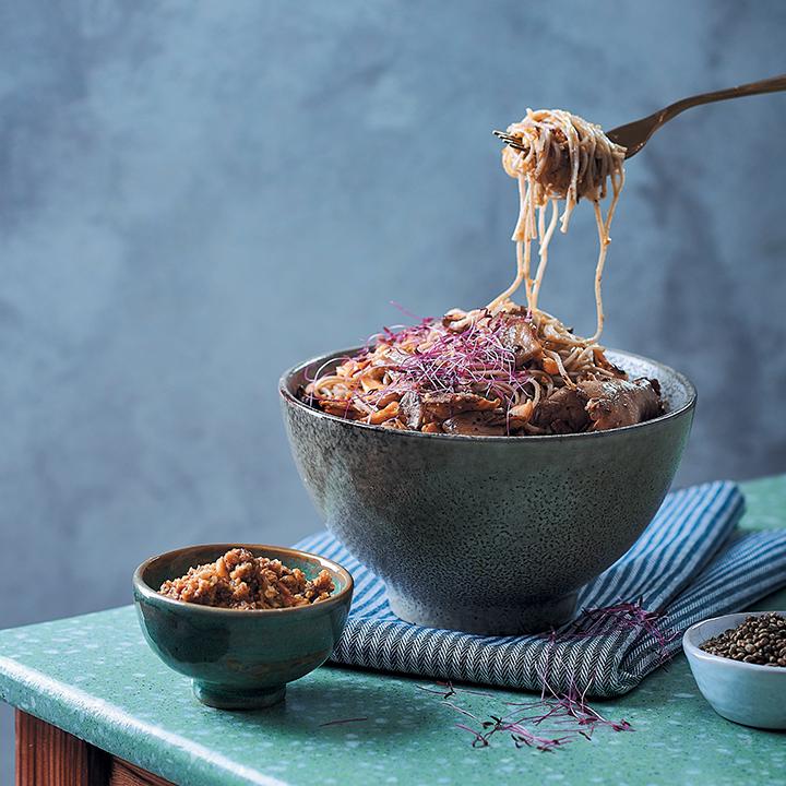 Buckwheat noodles with walnut pesto, chilli mushrooms and amaranth