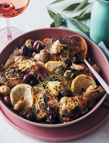 Pesto-baked chicken with olives and goat's cheese